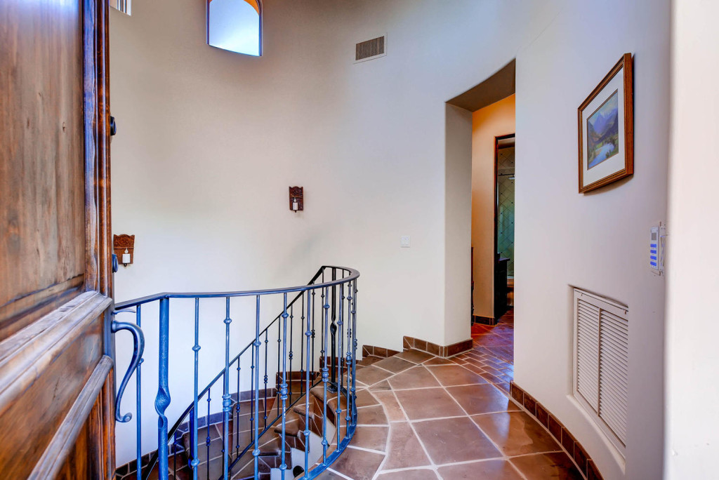 5306 east Grovers Scottsdale-large-007-Foyer-1497x1000-72dpi