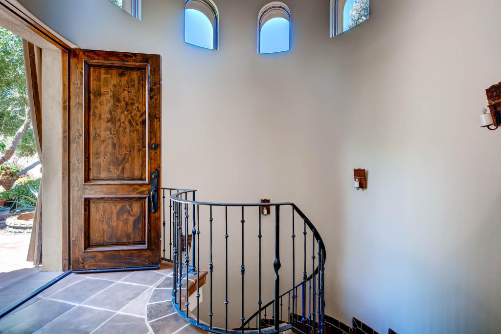 5306 east Grovers Scottsdale-large-008-Foyer-1499x1000-72dpi