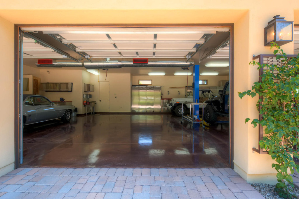 5306 east Grovers Scottsdale-large-023-Garage-1500x1000-72dpi