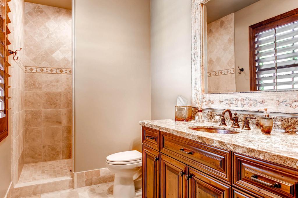4727 South Goldstrike Rd-large-014-11-2nd Floor Bathroom-1500x1000-72dpi