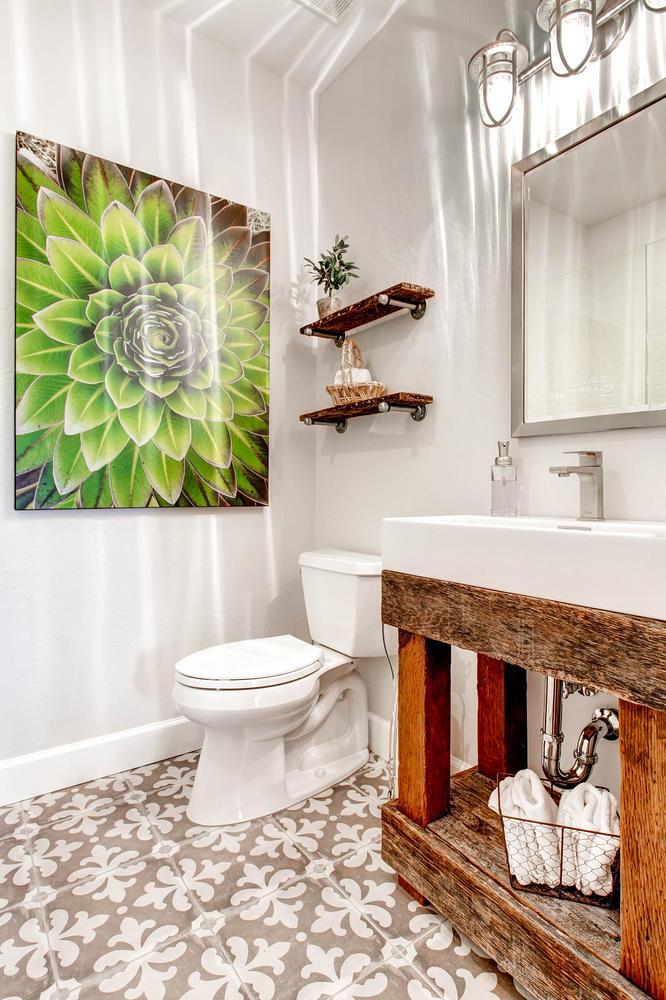 4143-East-Lafayette-Ave-large-009-5-Bathroom