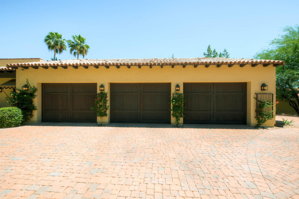 5306 east Grovers Scottsdale-large-024-Garage-1500x1000-72dpi